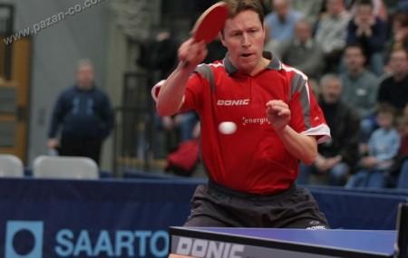 مقدمه تنیس روی میز یا پینگ پنگ (به انگلیسی: Table Tennis) ورزشی است که روی میز انجام میشود و دو یا چهار بازیکن در آن شرکت دارند و هر بازیکن یک راکت دارد و با بهره از آن به توپ ضربه میزند. توپ در این ورزش سبک و توخالی است. جنس میز از چوب و […]